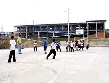 Alcaldia municipal de armenia dra luz piedad valencia for Cafetin colegio las colinas
