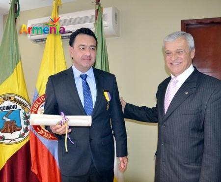 alcalde-socio-honorario-club-de-leones-armenia-monarca-1