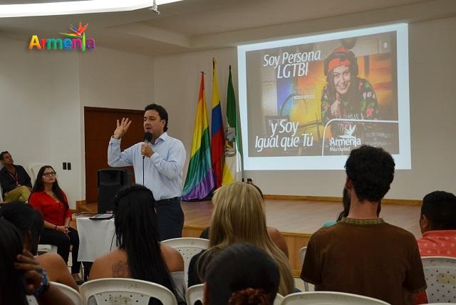 ALCALDE DIALOGA CON LA COMUNIDAD LGBTI 1