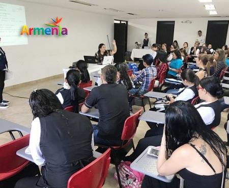 (LEANDRO) ESTUDIANTES DE ESTETICA Y EMBELLECIMIENTO