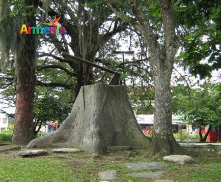 parque_fundadores_armenia_travel_guide_colombia